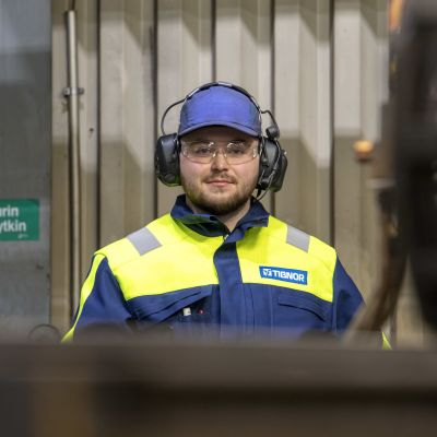 Konsta Risteelä työskentelee parhaillaan polttoleikkaajana metalliyritys Tibnorissa Seinäjoella.