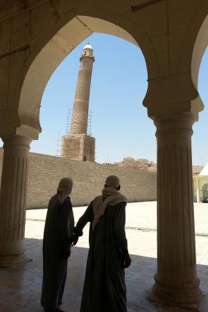 Den lutande minareten sedd från från moskén år 2014 innan IS intog Mosul i en blixtoffensiv