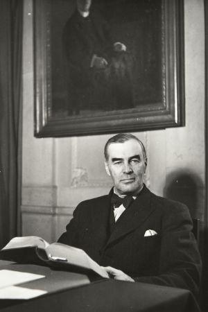 sisäasiainministeri Ernst von Born