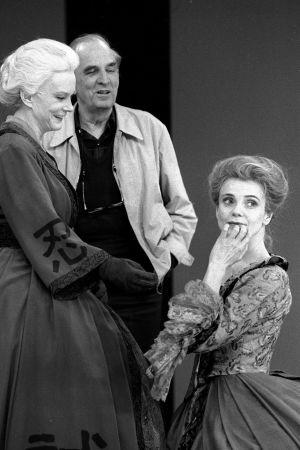 Anita Björk, Ingmar Bergman och Stina Ekblad under repetitionerna av pjäsen Markisinnan de Sade.