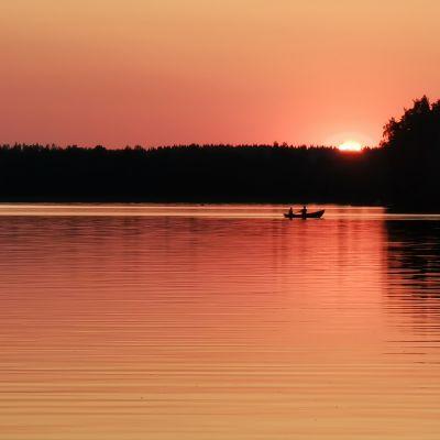 Auringonlasku Näsijärvellä
