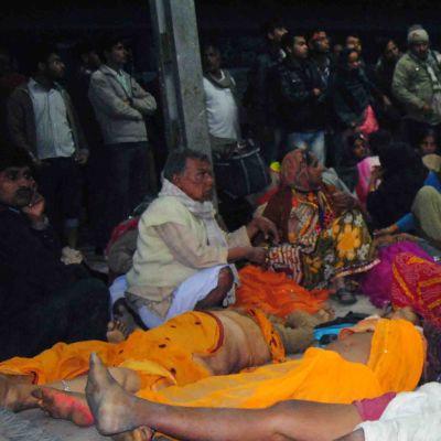 Pilgrimer trampades ihjäl i Indien.