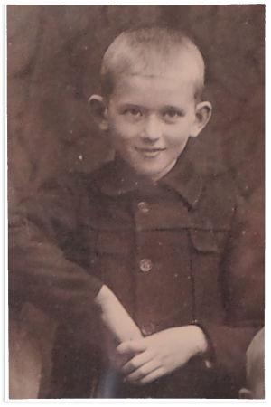 11-vuotias Pentti Sola 1916.