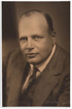 Oopperalaulaja ja jääkäri Severus Konkola 1930-luvulla.