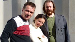 Ljuddesigner Niko Ingman, regissör Marielle Eklund-Vasama och Woyzeck, Jan-Christian Söderholm.