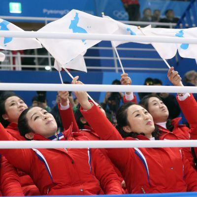 pohjoiskorealaiset cheerleaderit