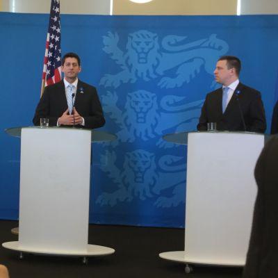 Estlands premiärminister Jüri Ratas och talmannen i det amerikanska representanthuset Paul Ryan håller presskonferens i Tallinn.