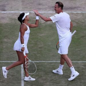 Henri Kontinen och Heather Watson gör high five