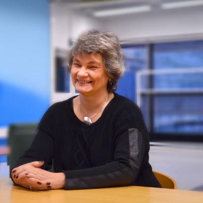 Susan Haraldsson är pastor i Andreaskyrkan. Nika Junker är ordförande för Tölö Hem och skola