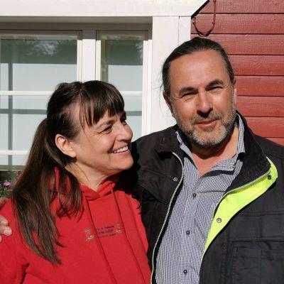 Reija ja Jarmo Valtari ovat olleet mansikkatilayrittäjiä 35 vuotta