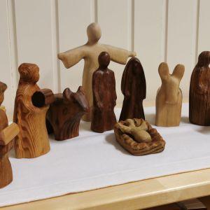 Godly Play -opetusmenetelmän apuvälineitä Ylöjärven Kauraslammin raamattuhuoneessa