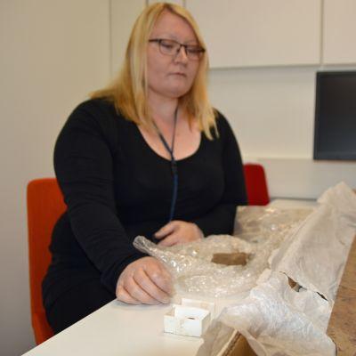 Pirkanmaan maakuntamuseon tutkija Ulla Moilanen.