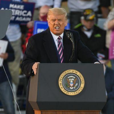 Donald Trump puhui vaalitilaisuudessaan Bemidjissä Minnesotassa.