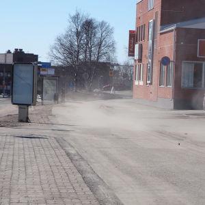 Katupölyä Rovaniemen keskustassa