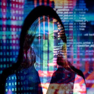 ihmishahmo digimäisenä tietokonekuvana