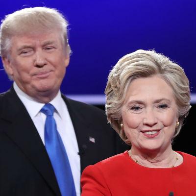 Presidentkandidaterna Trump och Clinton efter den första tv-debatten 26.9.2016