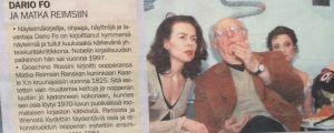 Leena Taavitsianen-Petäjä tulkkasi Dario Fota Kansallisoopperassa Matka Reimsiin -produktion yhteydessä. Metro-lehden leike tammikuulta 2003.