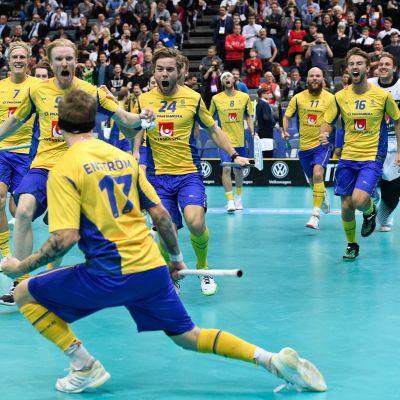 Ruotsi eteni salibandyn MM-finaaliin rangaistuslaukauksilla.