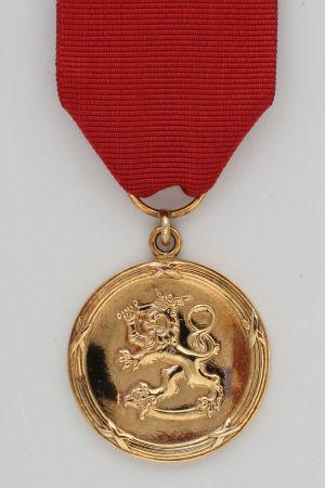 pro finlandia-medaljen som förlänas författare och konstnärer