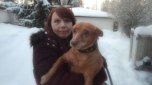 Kati Hirsikangas ja Pippa-koira