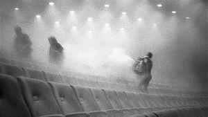 Eeli Aallon valokuvat ovat ainut kuvallinen dokumentti Jumalan teatterin esityksestä 1987