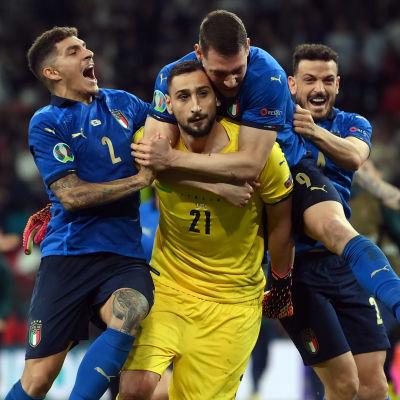Italien jublar i EM.