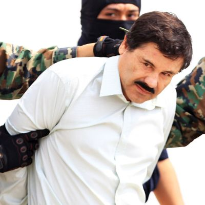 Den mexikanska drogkungen El Chapo efter att han gripits 2014.