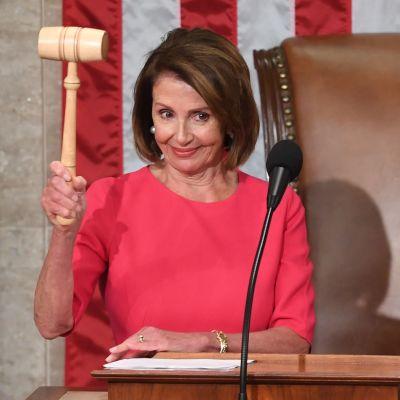 Nancy Pelosi höll i ordförandeklubban vid kongressens öppningssession den 3 januari.