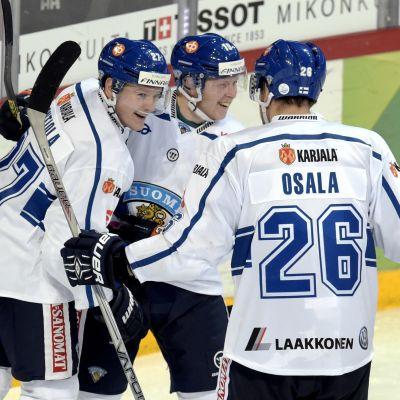 Petri Kontiola, Tuomas Kiiskinen och Oskar Osala, Finland-Ryssland, EHT, 5.11.2015.