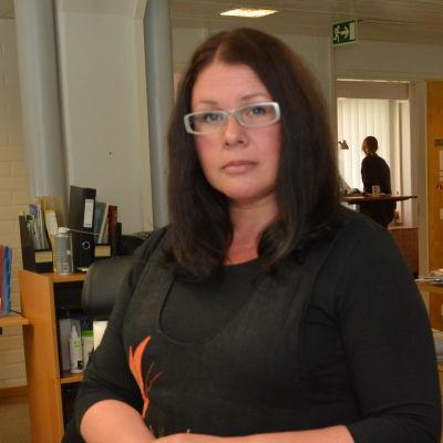 Huvudförtroendeman Johanna Lemström. Thomas Sundström är nyhetschef på Västra Nyland.