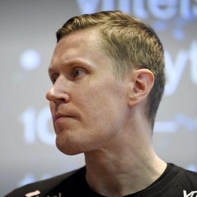 Happeen Mika Kohonen on yksi miesten Salibandyliigan mielenkiintoisimmista pelaajista alkavalla kaudella.