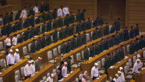 Parlamentsledamöter i Myanmar.