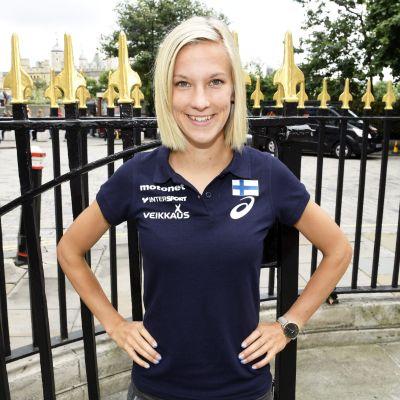 Kestävyysjuoksija Camilla Richardsson kuvattuna tiedotustilaisuuden yhteydessä yleisurheilun MM-kilpailuissa Lontoossa 8. elokuuta 2017.