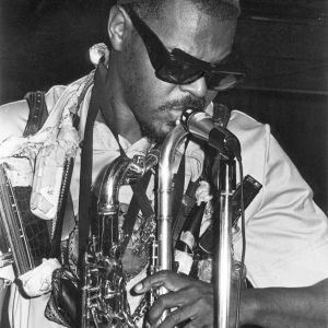 Rahsaan Roland Kirk. Kuva dokumenttielokuvasta The Case of the Three Sided Dream.