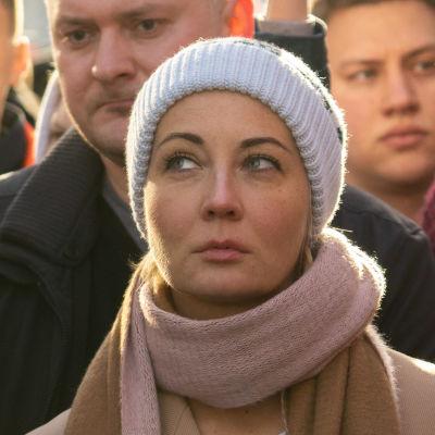 Aleksej Navalnyj och hans fru Julia Navalnaja deltog i en minnesstund för den mördade oppositionspolitikern Boris Nemtsov i Moskva.