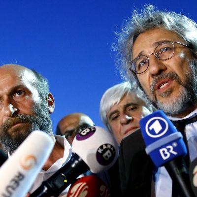 Can Dundar och Erdem Gül, journalister på den turkiska tidningen Cumhuriyet