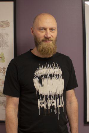 Porträtt av Kari Pakarinen.