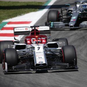 Kimi Räikkönen och Valtteri Bottas i farten.