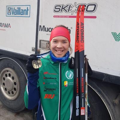Linnea Henriksson vann FM-brons i Haapajärvi i klassen D23.