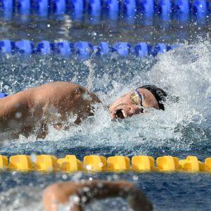 Ari-Pekka Liukkonen simmar frisim.