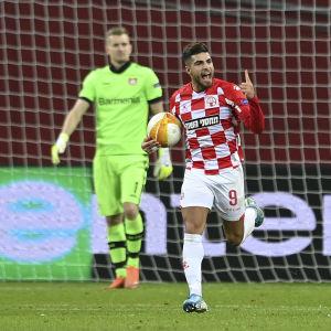 Itamar Shviro gjorde mål på Lukas Hradecky.
