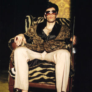 Auvo Vihro näytelmässä Elviksen keittiö.