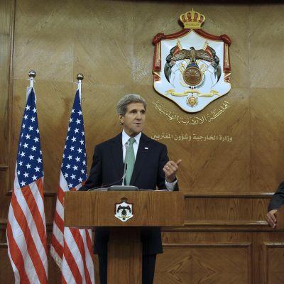 Kerry i Amman 7.11.2013