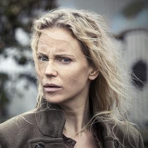 Sofia Helin som Saga Norén i tv-serien Bron.