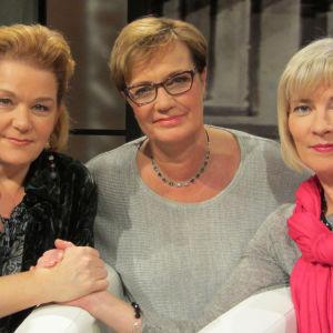 Annina Holmberg (vas.), Hilla Blomberg, Jonna Ketola