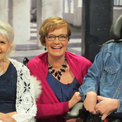 Marja Korhonen (vas.), Hilla Blomberg ja Riku Kylmänen