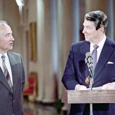 Mihail Gorbatshov ja Ronald Reagan tapasivat ensi kerran vuonna 1985.