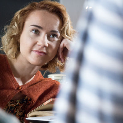 Kuvassa Sonja Ollila (Hennariikka Laaksola)