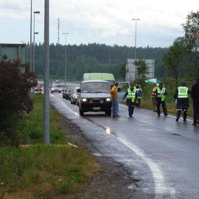 Polisen kontrollerar bilister