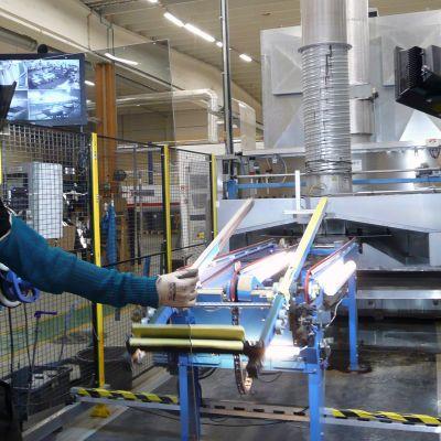 Sisäkuva Pilkingtonin Tampereen tehtaasta